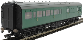 R4840 Maunsell 4 compartment brake second corridor S3232S in BR green