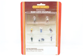 R560-PO03 City people x 7 - Pre-owned - Like new