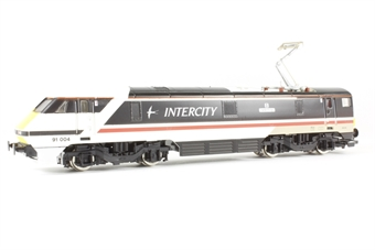 """R585 Class 91 91004 """"The Red Arrows"""" in Intercity Swallow livery"""