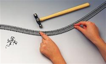 R621 Single 970mm length of flexible track £3