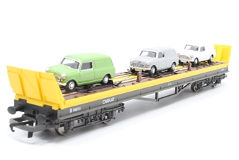 R6398-PO04 Carflat car transporter with 3 Skaleautos vans - Pre-owned - Minor glue marks on sides, imperfect box