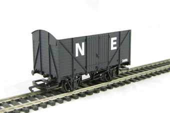 R6422 12-ton van 2606 in LNER grey - Railroad Range £9.50