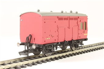 R6727 Horse box 42489 in LMS maroon