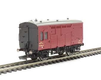 R6728 BR (ex LMS) Horse box M42367M in BR crimson