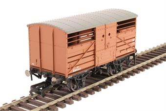 R6826 Diagram 1529 cattle wagon B891313 in BR bauxite