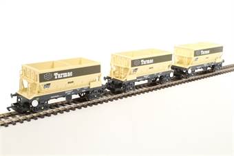 R6829 PGA Hopper Wagons, Tarmac - Three Wagon Pack