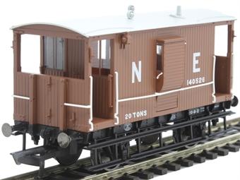 R6833A LNER 20 ton 'Toad B' brake van 140526 in LNER bauxite