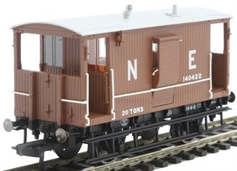 R6833 LNER 20 ton 'Toad B' brake van 140422 in LNER bauxite