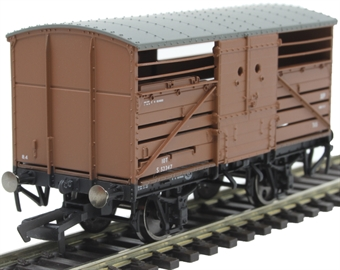 R6840A SR Dia 1530 cattle wagon S52347 in BR bauxite