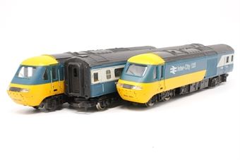R685-issue1-PO03 Class 43 InterCity 125 three-car set - Pre-owned - sold as seen - poor runner - marks and scratches to centre coach - missing one coupling hook - replacement box