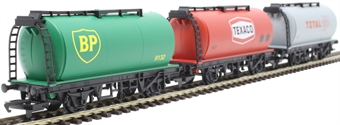 R6891 TTA tank wagons in Total, BP and Texaco liveries - Railroad Range - pack of three