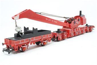 R739-PO19 75 Ton Operating Breakdown Crane DB966111 - Pre-owned - sold as seen - cab and crane arm loose from chassis due to damaged/worn clips - worn finish - replacement box